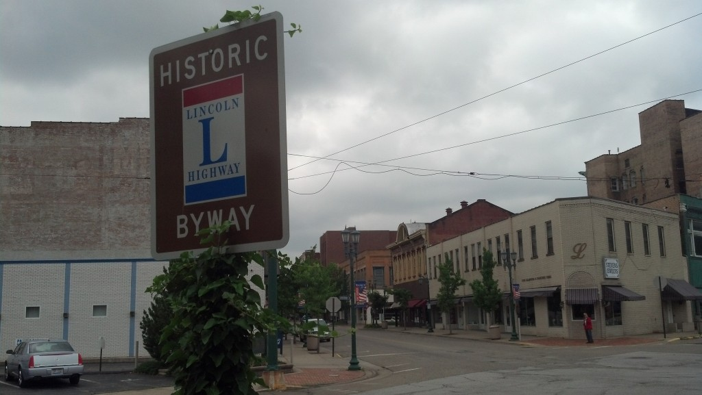 Broadway and E. 5th Street in East Liverpool, Ohio (Photo by Michael E. Grass)