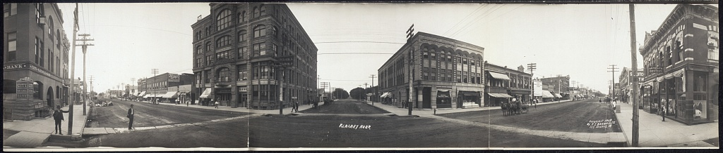 The center of Kearney, Neb., as seen in 1909. (Photo by F.J. Bandholtz/Library of Congress)
